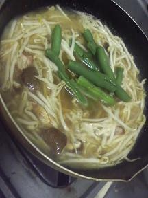 20100421-会社で料理-久しぶりにあんかけ焼き蕎麦-05-出汁を取る.jpeg