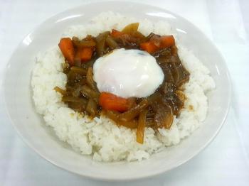 20130426-会社で料理-500回記念は温泉玉子載せ和風カレー-06-出来上がり.jpeg