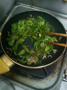 20130703-会社で料理-漬物の難しさを知った日-03-ピーマン味付け.jpeg