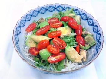 20150715-会社で料理-お洒落に出来たサラダうどん-05-出来上がり.jpeg