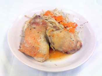 20150824-会社で料理-チキンソテーとチー油モヤシ炒め-06-出来上がり.jpeg